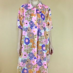 Vintage 1970s smock housecoat mod floral dress